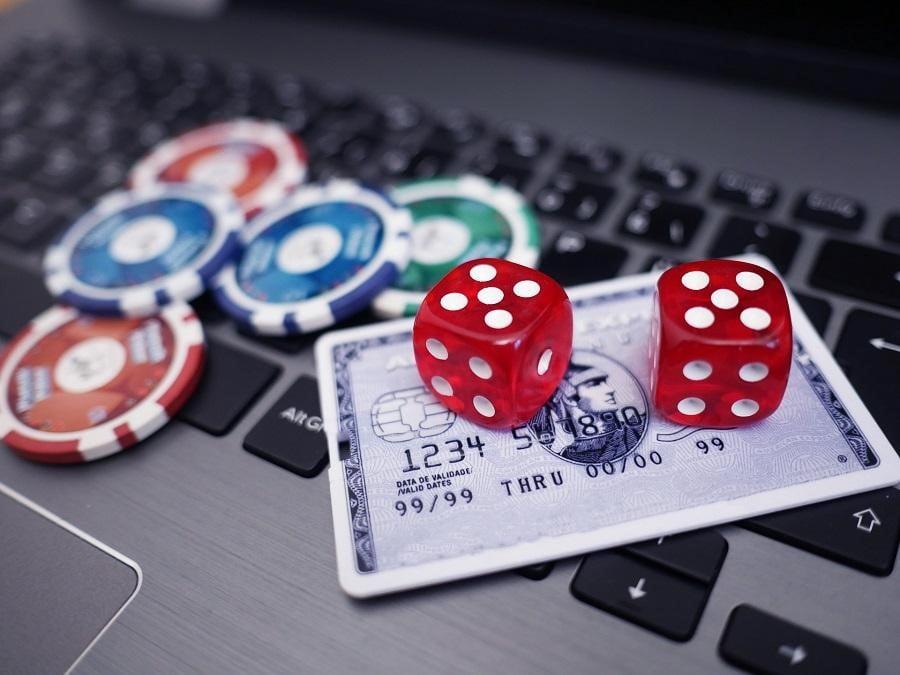 Why entrepreneurs should consider opening an online gambling business.jpg